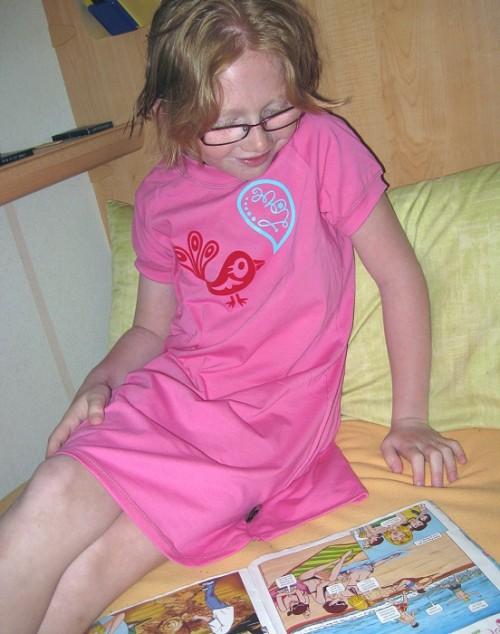 Bigshirt mit kurzer Leggings als Schlafanzug