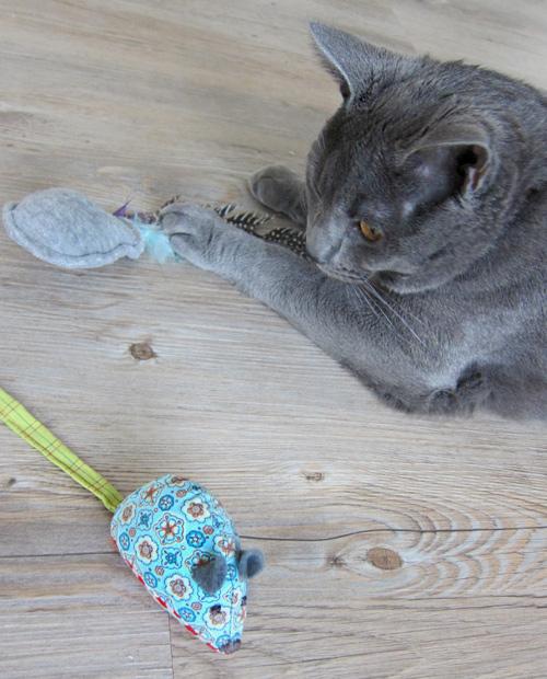 Katzenspielzeug nähen, katzen-abenteuer.de, farbenmix.de